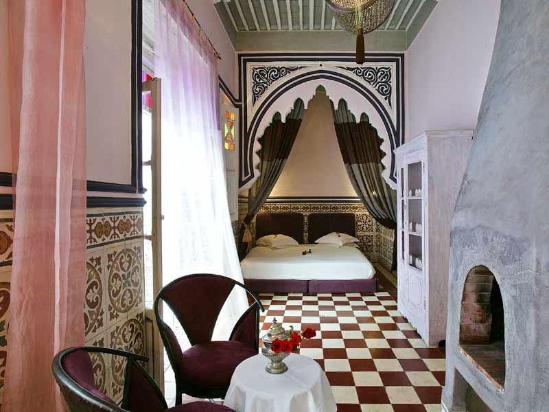 Riad casa lila spa louez le riad casa lila spa - Chambre rose poudre ...